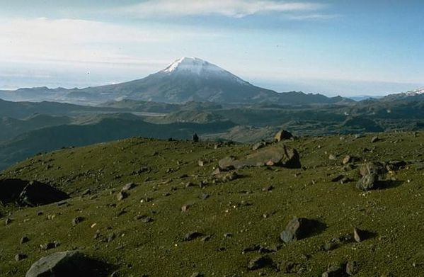 Nevado_del_tolima---Tom-Pierson-USGS.jpg
