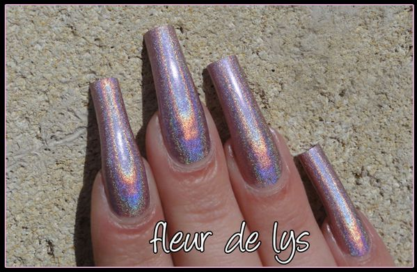 Vernis ongles holographiques