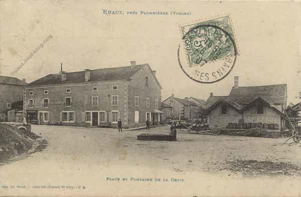 05-CPA-Ruaux-Place-et-Fontaine-De-La-Croix