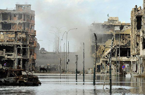 Syrte ville martyre pour sa fidélité au Colonel Kadhafi - Photo http://81.27.130.64/rw/Le_Temps/Quotidien/2011/10/19/International/ImagesWeb/13_galerie_Sirte.jpg