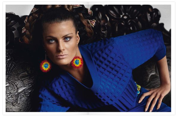 Pages-Inca-Vogue-France-avec-Isabelli-Fontana-2.jpg