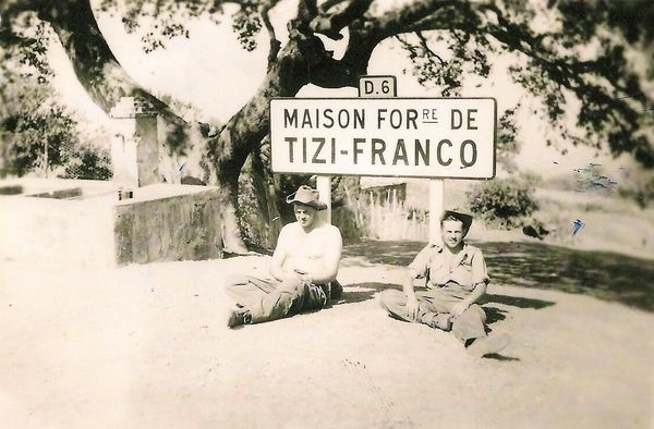 Repos-a-la-maison-forestiere-de-TIZI-FRANCO-photo-P.JANIN.jpg