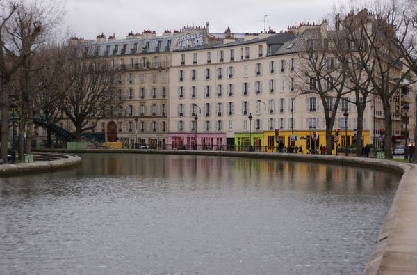 balade le long du canal saint martin paris mon paris banlieue. Black Bedroom Furniture Sets. Home Design Ideas