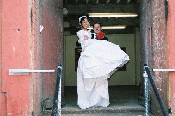 Taniuchi Tsuneko 2004 Micro-événement n°24:Weddings
