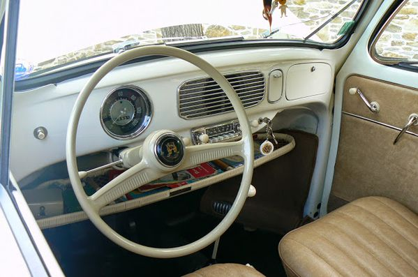 Vendu cox ovale 1956 la madril ne for Antenne autoradio interieur