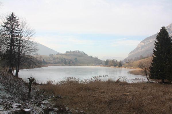 060-Le-lac-de-La-Thuile--gele-jpg
