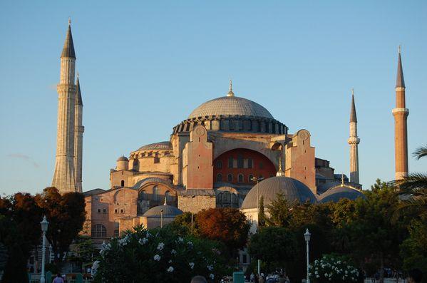 Istambul--Basilique-Sainte-Sophie-Aya-Sofya--2-.jpg