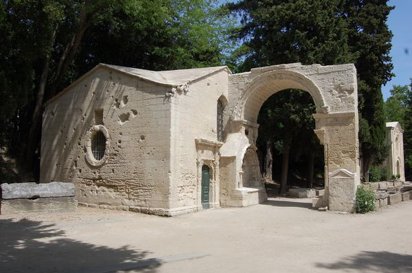 Arles les Alyscamps (2)