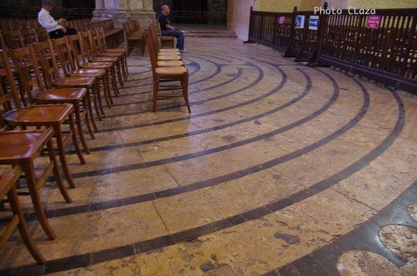 Chartres-Labyrinthe--cercle.jpg