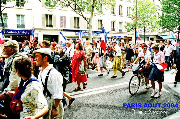 Commémoration Paris aout 2004 ( Photo Didier Simonnet )--