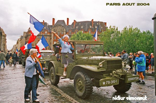 PARIS AOUT 2004 ( Photo Didier Simonnet )---