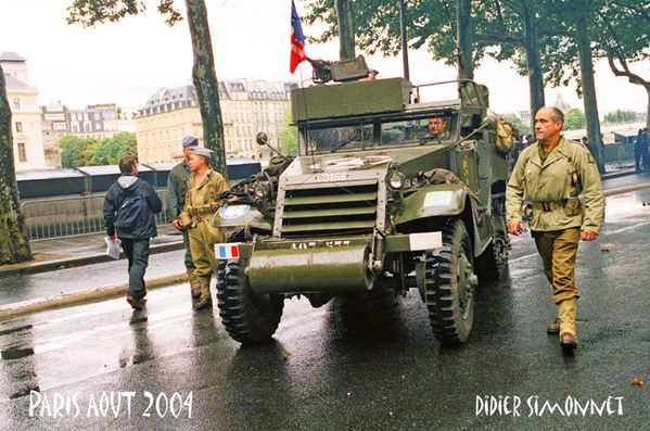 PARIS AOUT 2004 ( Photo Didier Simonnet )-