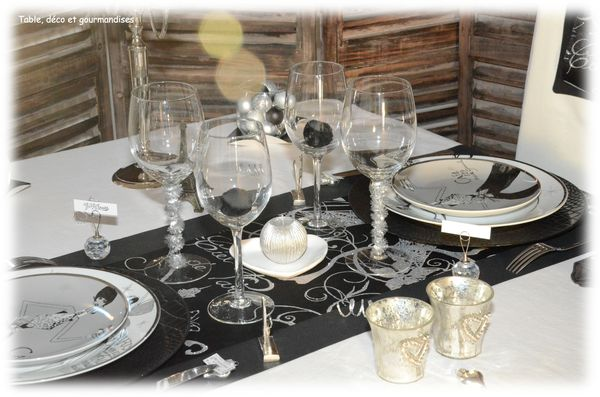 Tables de nouvel an table d co et gourmandises - Deco table reveillon nouvel an ...