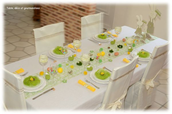 Table de p ques au pays des lapins jardiniers table for Table familiale