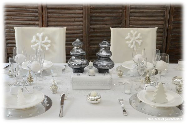 Mes tables de no l table d co et gourmandises - Sapin de noel blanc et argent ...