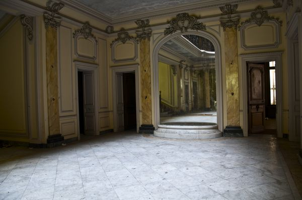 Urbex le manoir au puits de lumi re sleepingplace for Interieur 19eme siecle