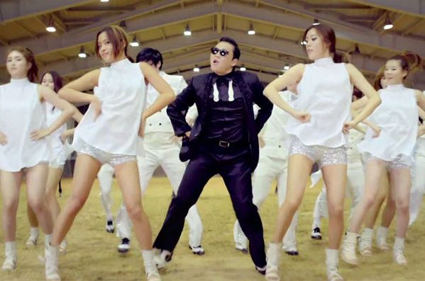 Hello-Monkey---Psy---Girls-Team.jpg