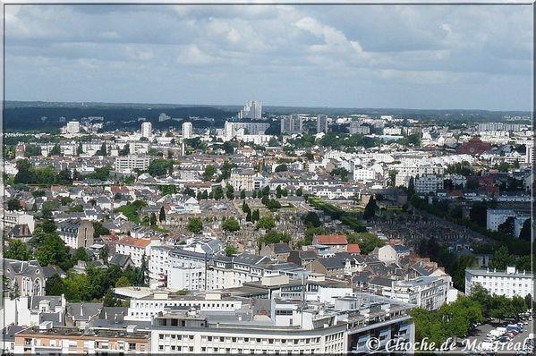 Au fond, le Sillon de Bretagne et St Herblain