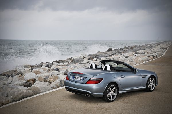 Mercedes-SLK-Statique3