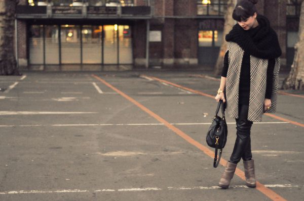 BLOG outfit hiver cape slim cuir (3)