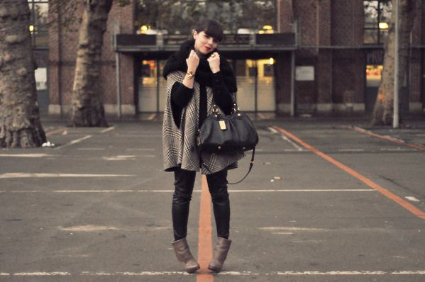 BLOG outfit hiver cape slim cuir (5)