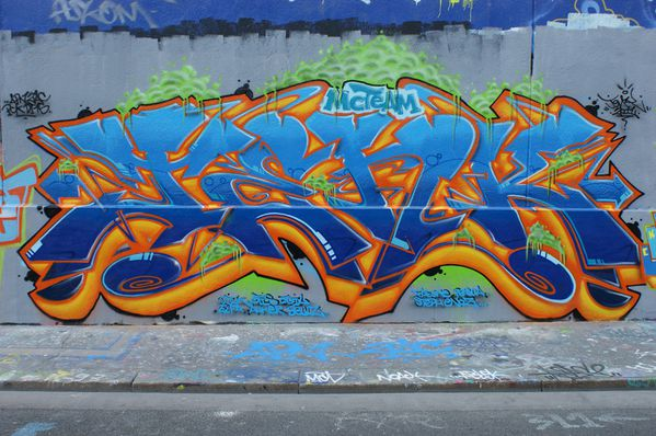 4342 rue des pyrenees 75020 11 avril 2011