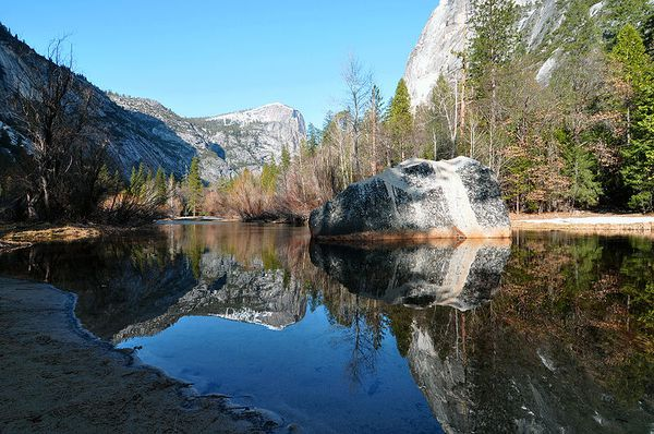 800px-Yosemite_national_park_mirror_lake_2010u.JPG
