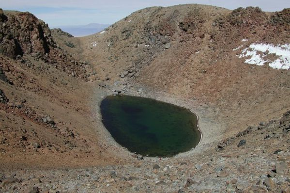 Licancabur-summit-lake---Nasa.jpg