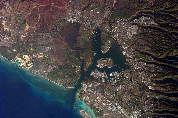 800px-Astronaut_Photograph_-_Pearl_Harbor-_Hawaii.jpg