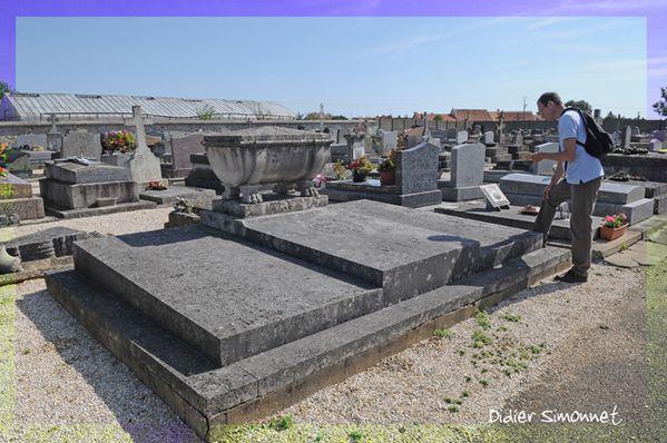 GRISY-SUISNES (Seine & Marne ) Au cimetière Photo Didier