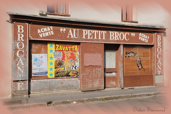 GRISY-SUISNES (Seine & Marne ) Magasin Au petit Broc ( Phot