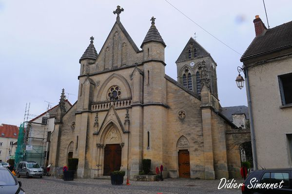 Eglise de CHARLY-SUR-MARNE ( Aisne ) Photo Didier Simonnet