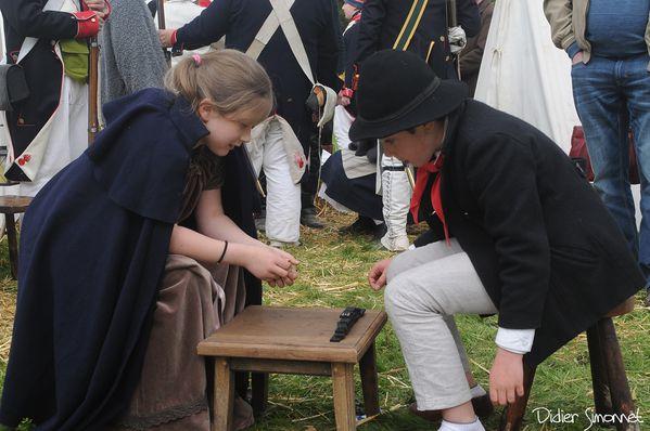 Fontainebleau, enfants jouant aux dominos