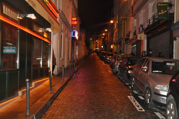 shoot-pigalle-ruelle