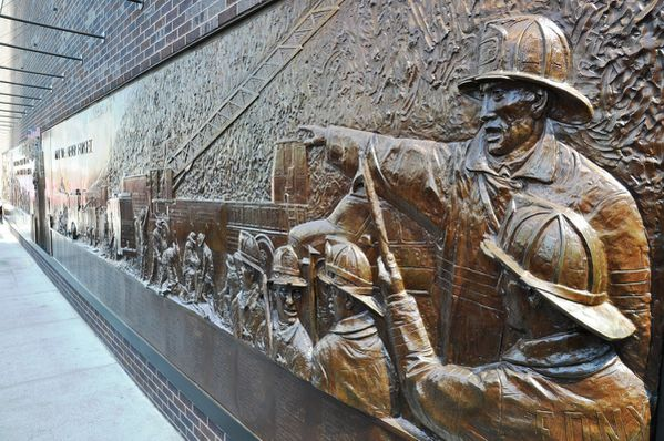 New York - Memorial 911 - 1 WTC - Fresque Pompiers