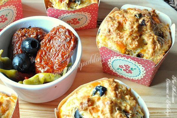 muffins sales aux olives fromage et tomate sechee