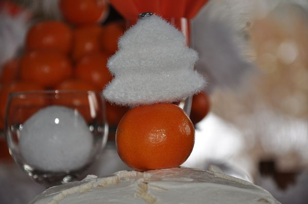 table-Noel-blanc-et-orange 0545