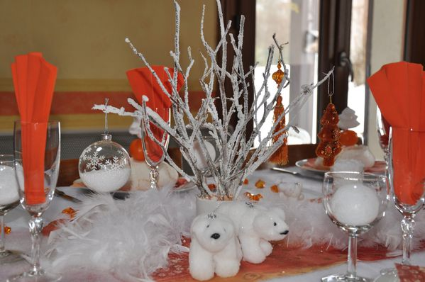 table-Noel-blanc-et-orange 0570