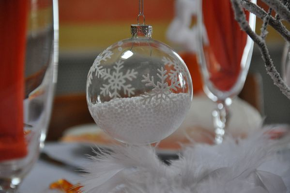 table-Noel-blanc-et-orange 0595