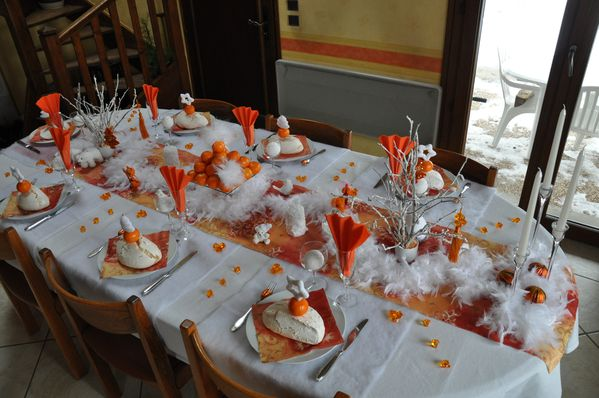 table-Noel-blanc-et-orange 0679