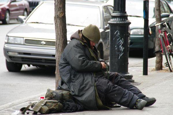 l-indifference-dans-la-rue.jpg