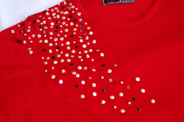 Do it Yourselft // DIY // Customiser un pull basique avec des sequins