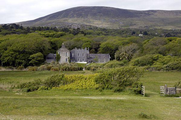 Derrynane_House_-_geograph.org.uk_-_247229.jpg