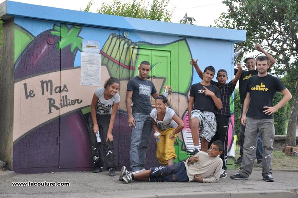 la coulure collectif de graffiti sur lyon le blog de island slalom tour. Black Bedroom Furniture Sets. Home Design Ideas