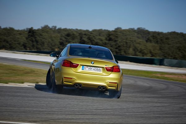 BMW-M4-coupe-2014-07