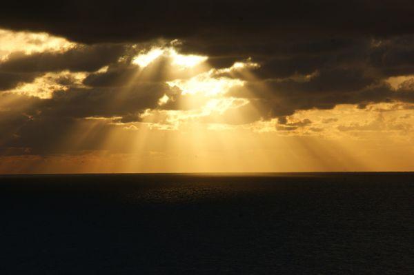rayon coucher de soleil gris nez