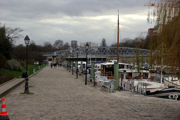 promenade paris-canal st martin port arsenal