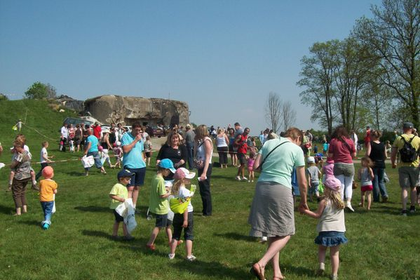 2011-04-23-Chasse-a-l-oeuf--16-.JPG