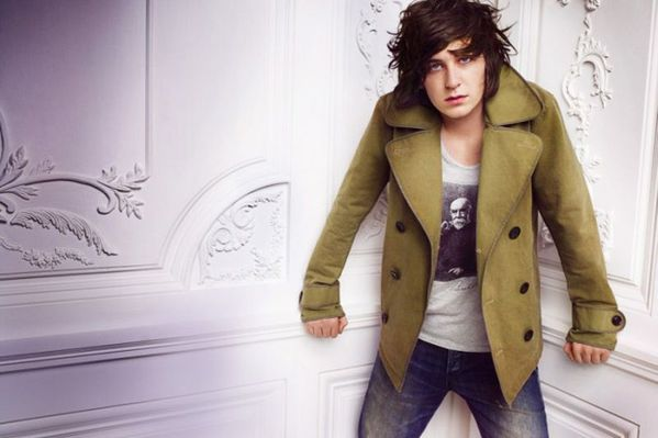 burberry-2010-spring-ad-campaign-3