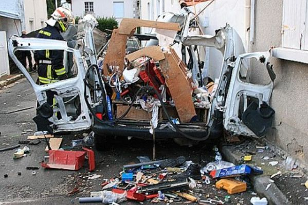 20091223 enorme-explosion-en-ville.bl